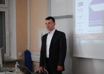 Wykład ekspercki Pana Dawida Królicy prezentujący rozwiązania sieciowe firmy Enterasys / Extreme Networks