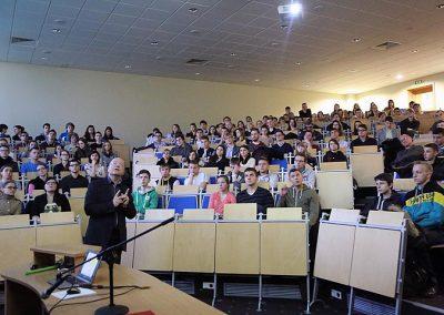 """Wykład otwarty """"Muzyka kontra Matematyka"""" - dr Piotr Urbaniec"""